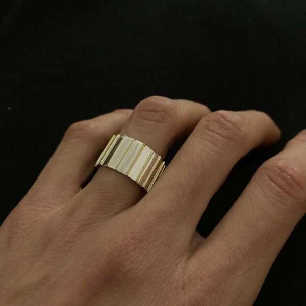 the white stripes anillo